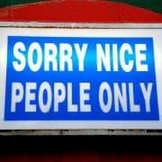 omgaan met negatieve mensen
